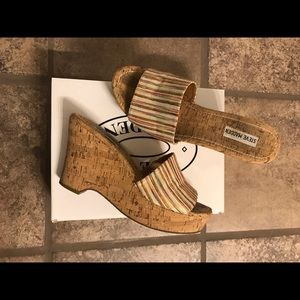 Steve Madden natural multi color wedges sz 9